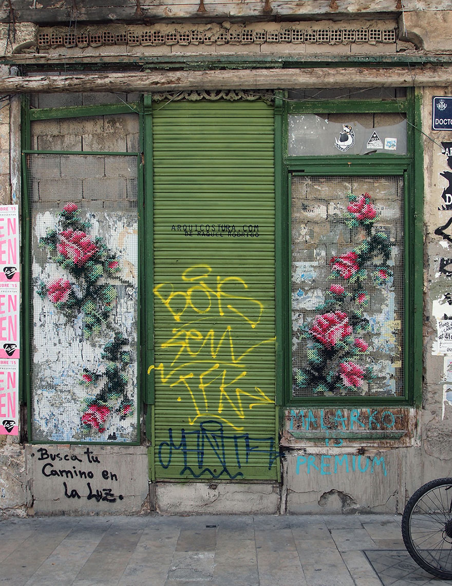 floral-cross-stitch-street-installations-raquel-rodrigo-6