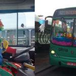 Motorista decora ônibus, veste-se de palhaço e distribui doces para passageiros 5