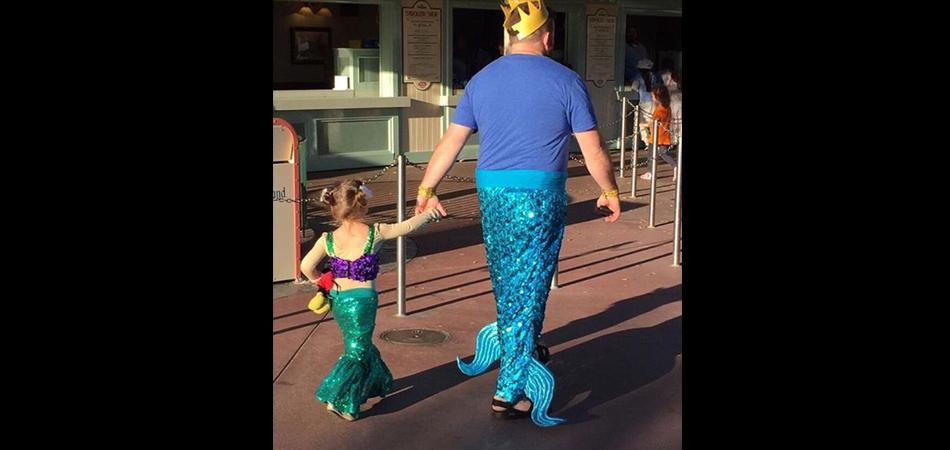 """""""Princesa Ariel"""" e """"Rei Tritão"""" da vida real fazem sucesso na internet 3"""