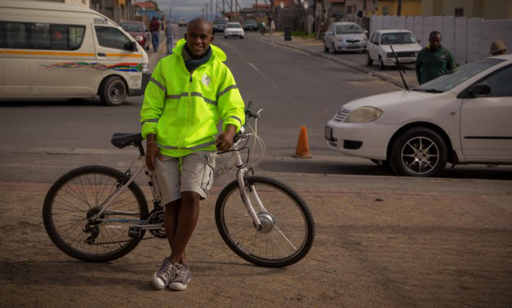 Jovem abre delivery de medicamentos para atender pessoas que vivem nas periferias de sua cidade 1