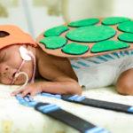 Hospital organiza sessão de fotos com bebês da UTI Neonatal e o resultado é comovente 2