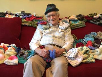 senhor tricota gorrinhos