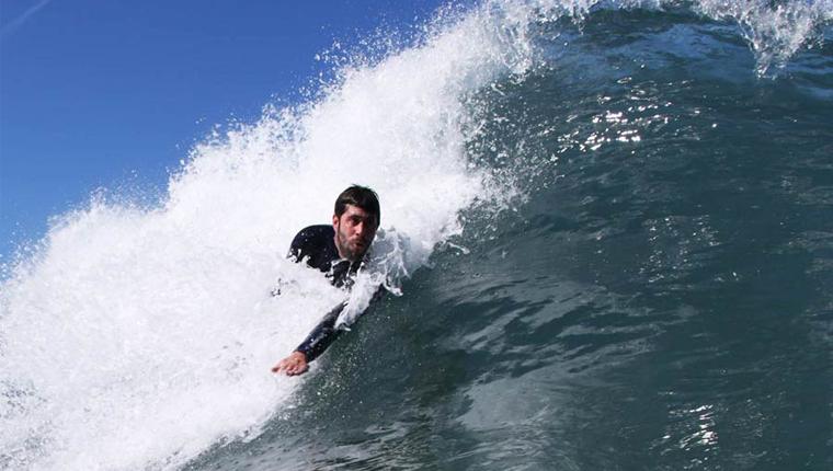 Esclerose múltipla não impediu Miguel Rocha de ser campeão de bodysurf 1
