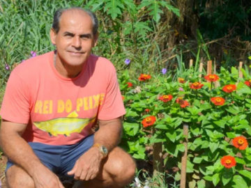 Porteiro transforma lixão em lindo jardim para a comunidade onde vive 6