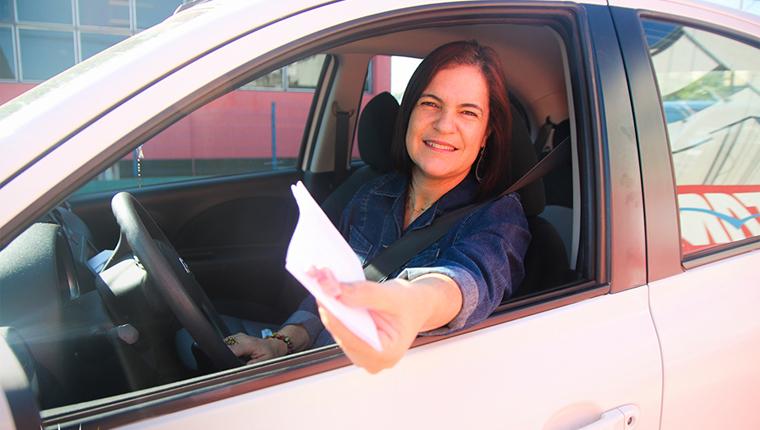 Professora cria projeto para ajudar pessoas que pedem dinheiro no semáforo 2