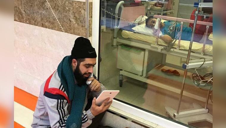 Professor visita aluno iraniano com câncer todos os dias no hospital para lhe ensinar o que perdeu na escola 3