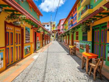 guatapé cidade colorida