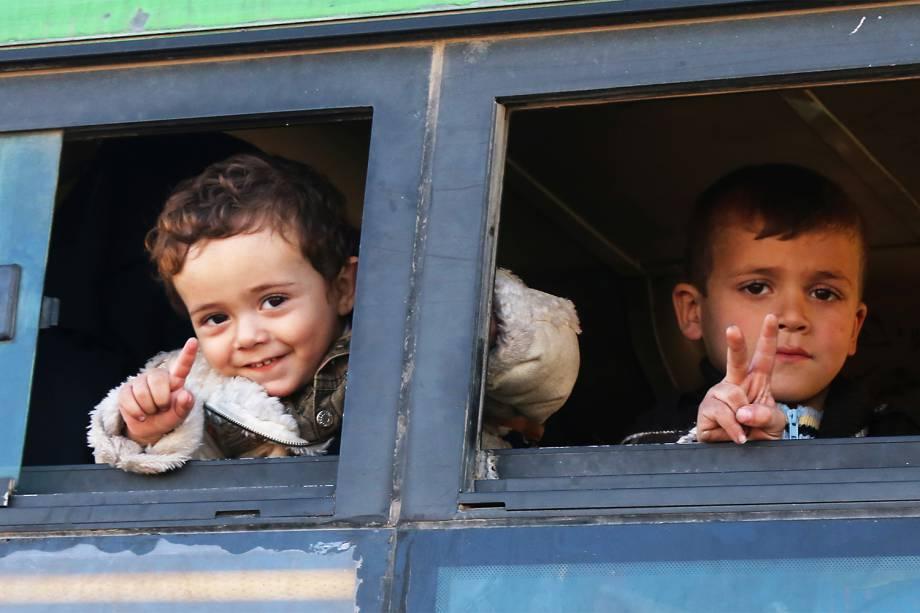 mundo-alepo-siria-retirada-civis-rebeldes-20161216-17-copy