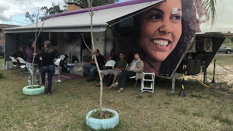 Consultório odontológico itinerante devolve o sorriso para pessoas do interior do Brasil 3