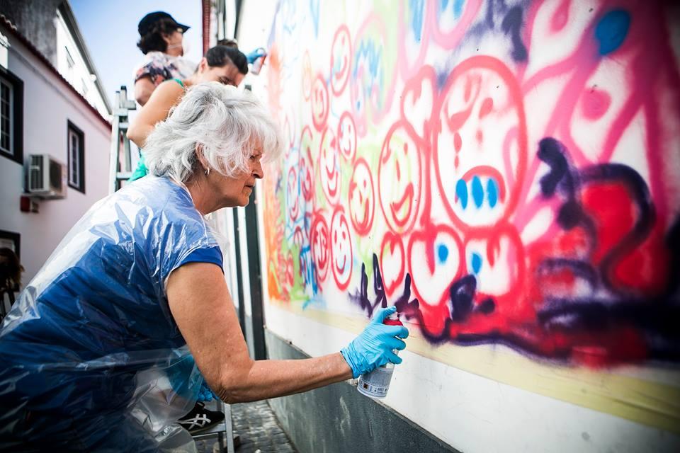 Projeto 'Lata 65' ensina idosos a arte do grafite em Lisboa 2