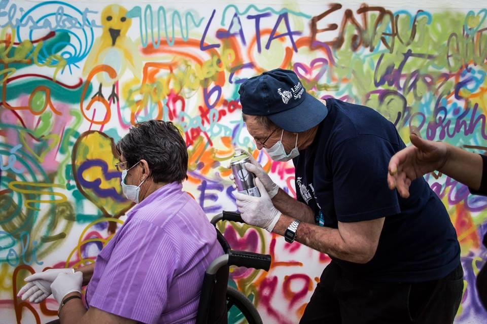 Projeto 'Lata 65' ensina idosos a arte do grafite em Lisboa 4