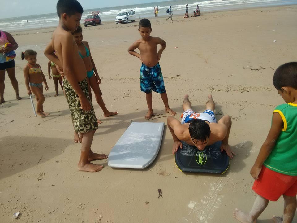 Projeto de surf tira jovens de baixa renda das ruas em São Luís-MA 5
