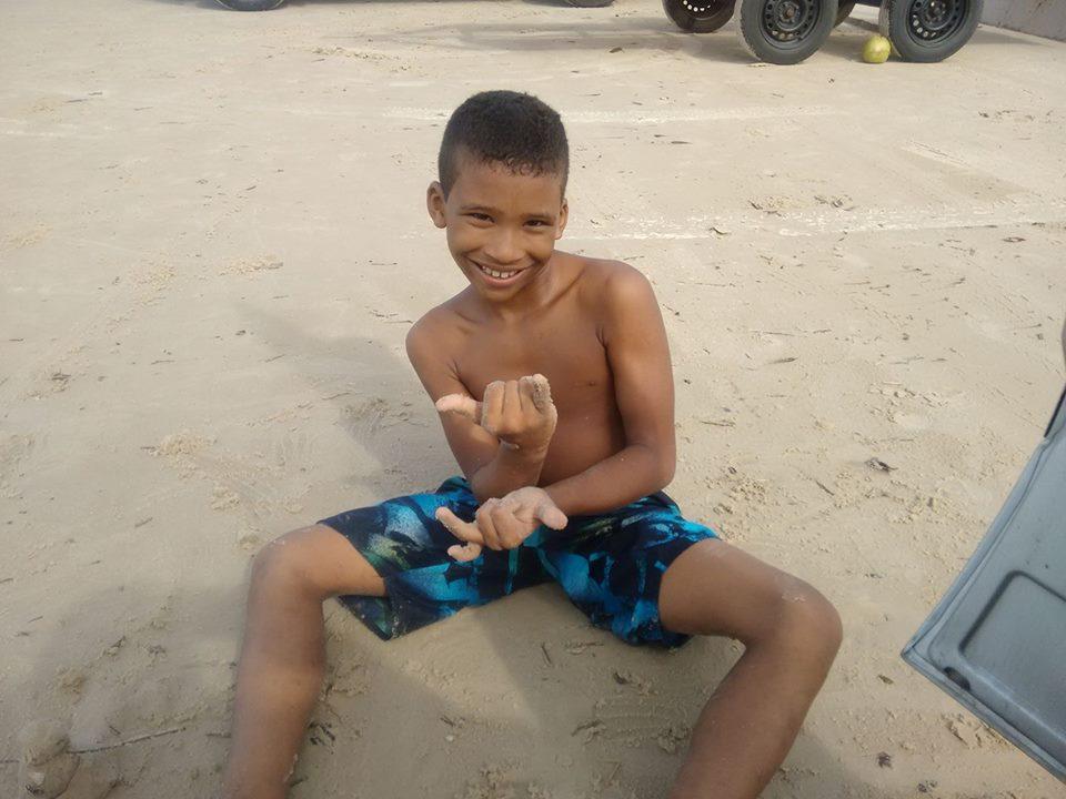 Projeto de surf tira jovens de baixa renda das ruas em São Luís-MA 6