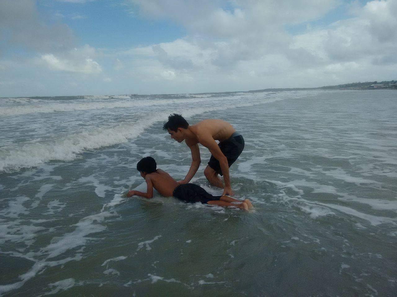 Projeto de surf tira jovens de baixa renda das ruas em São Luís-MA 3