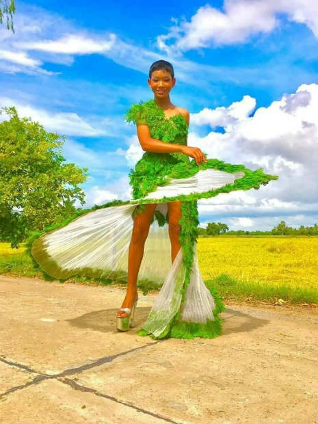 Garoto recria looks deslumbrantes inspirados na marca Victoria's Secret 11
