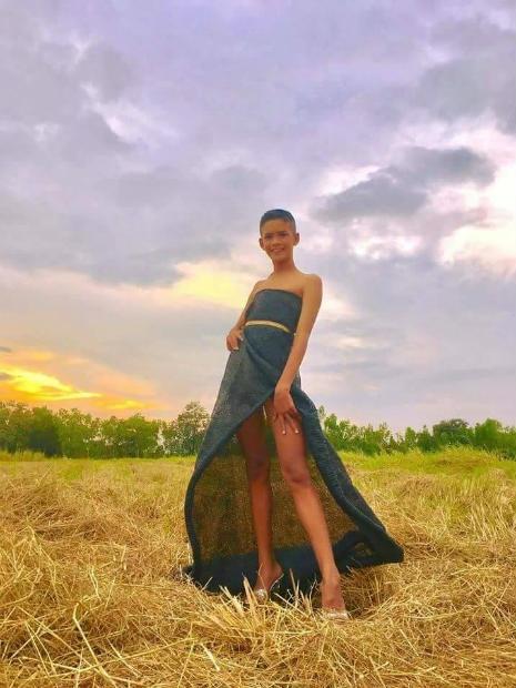 Garoto recria looks deslumbrantes inspirados na marca Victoria's Secret 16