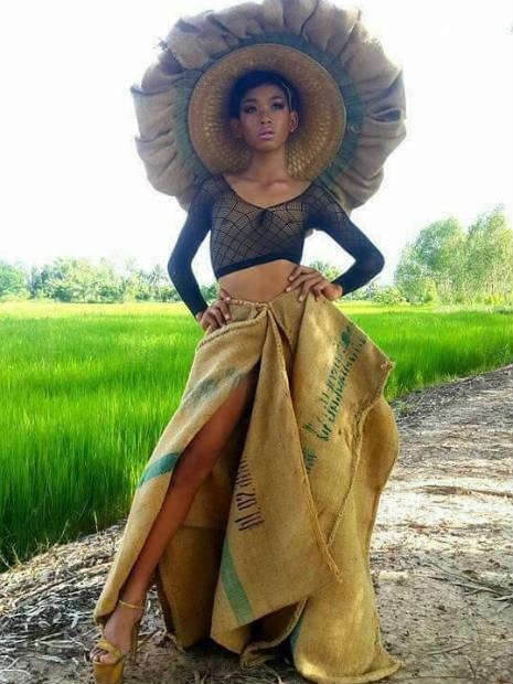 Garoto recria looks deslumbrantes inspirados na marca Victoria's Secret 17