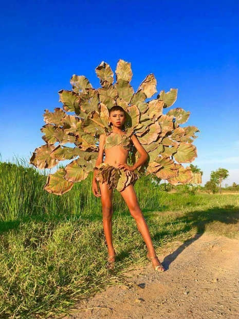 Garoto recria looks deslumbrantes inspirados na marca Victoria's Secret 7