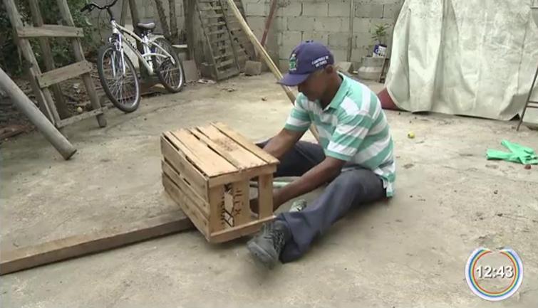 Morador de Pindamonhangaba constrói e distribui lixeiras pela cidade 4