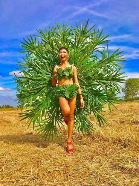 Garoto recria looks deslumbrantes inspirados na marca Victoria's Secret 20