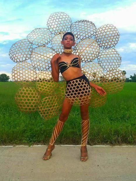 Garoto recria looks deslumbrantes inspirados na marca Victoria's Secret 22