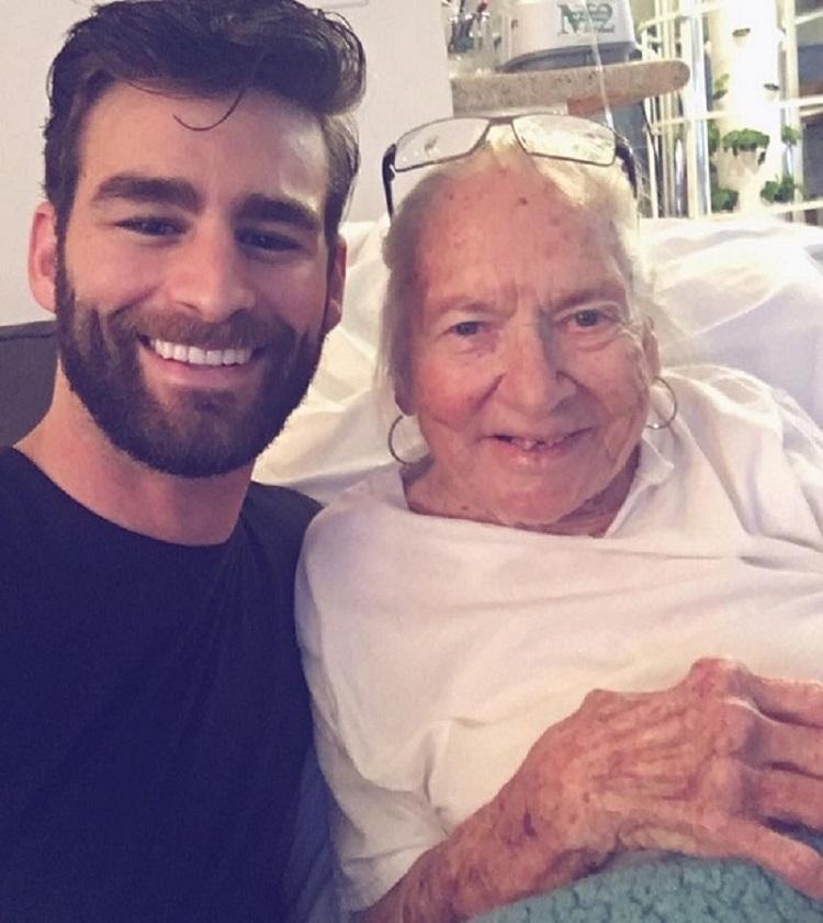 """Ator """"adota"""" idosa com leucemia e que vivia sozinha 2"""