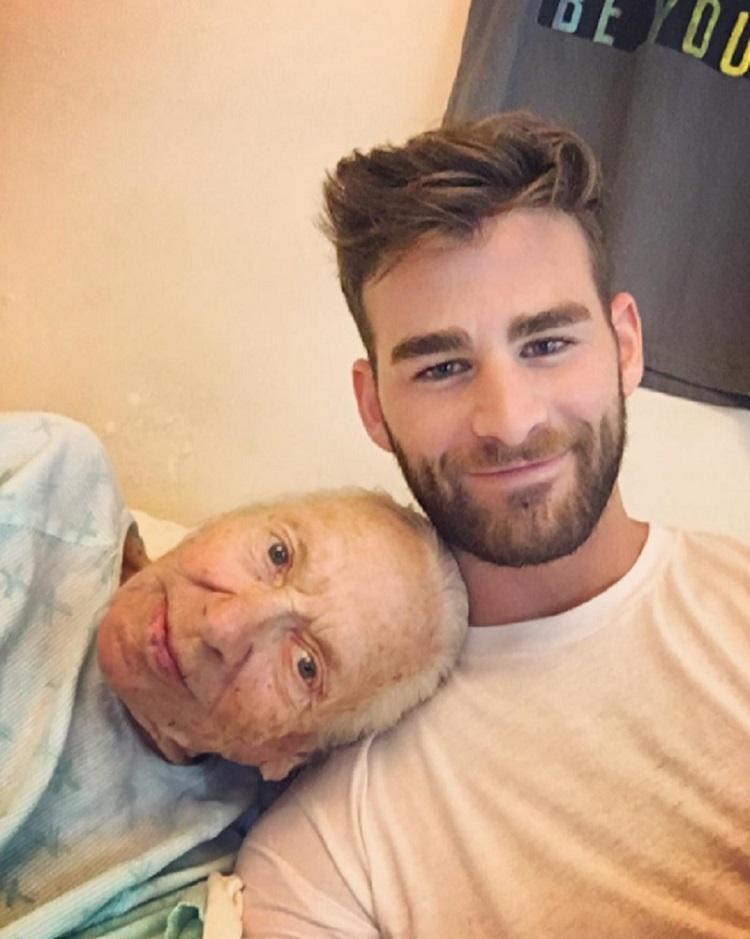"""Ator """"adota"""" idosa com leucemia e que vivia sozinha 3"""