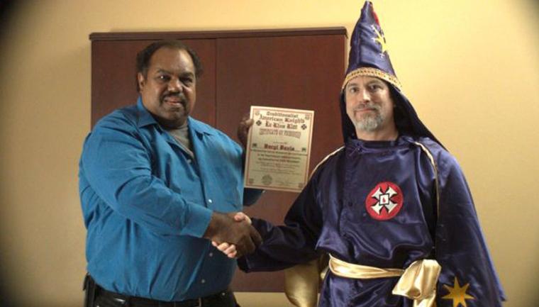 Conheça o músico negro que se aproxima de membros da Ku Klux Klan pra fazê-los repensar seu racismo 3