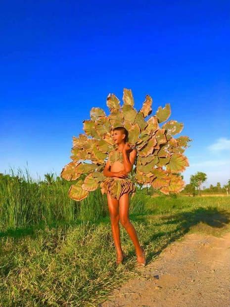 Garoto recria looks deslumbrantes inspirados na marca Victoria's Secret 26