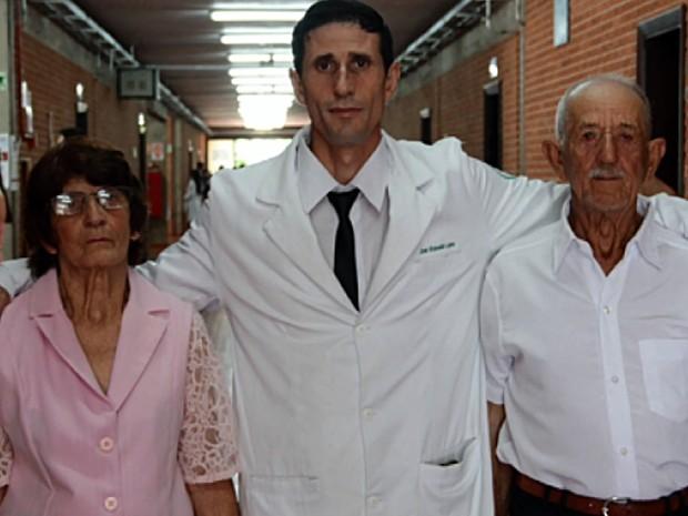 Ex-lavrador que passou fome na infância se forma médico em Minas 3