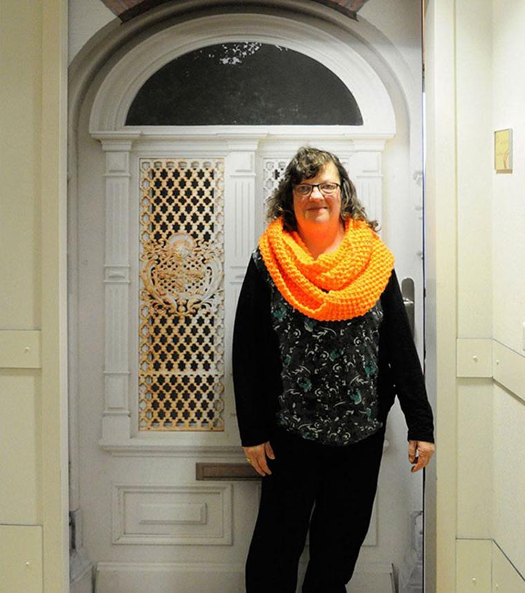 Empresa recria portas de idosos internados com demência para que possam se sentir em casa 4