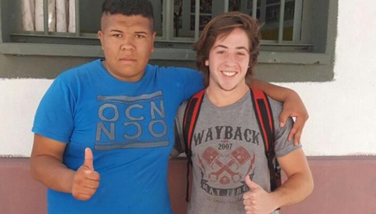 Jovem procura assaltante para lhe oferecer uma segunda chance num time de rugby 5