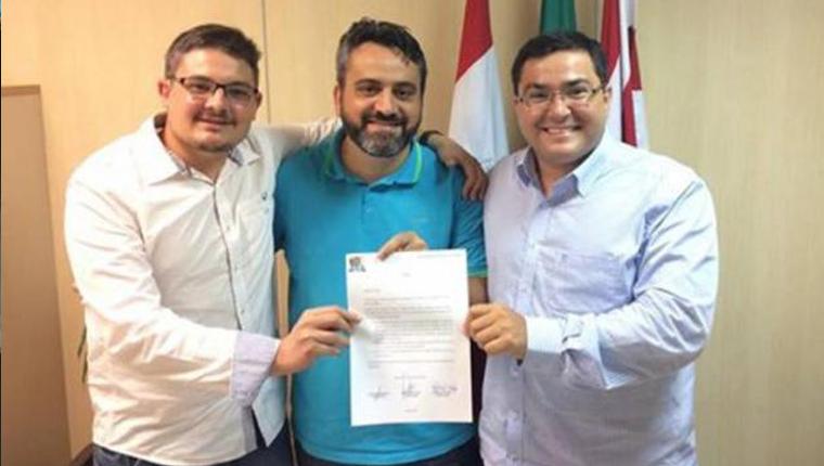 Vereadores de Blumenau dispensam carro oficial e celular e pedem passe de ônibus 2