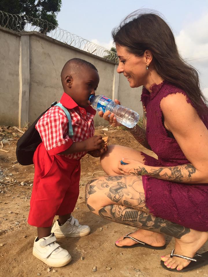 O primeiro dia de aula do menino desnutrido que foi resgatado há um ano 1