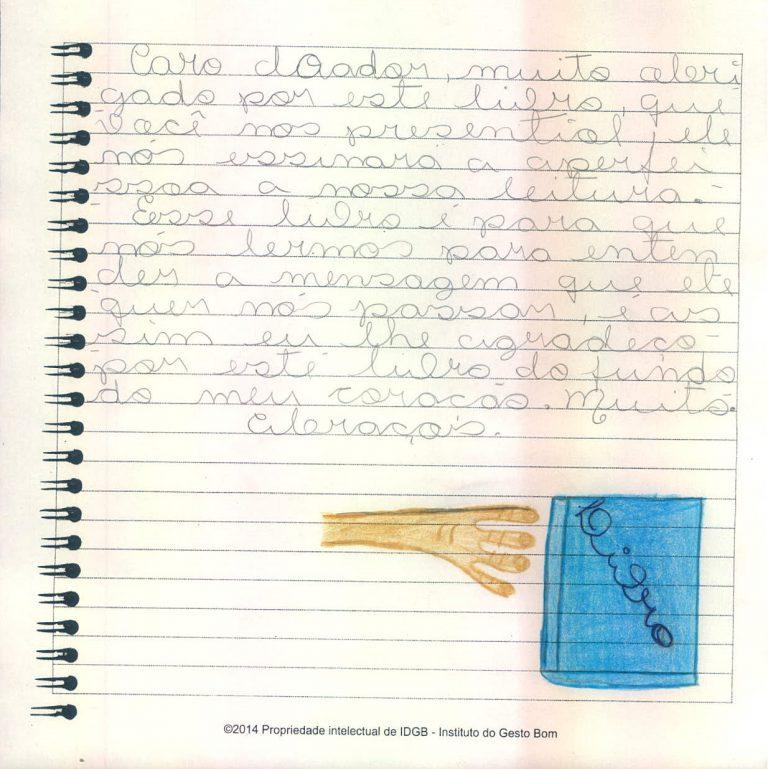 Iniciativa presenteia crianças carentes com livros para que se apaixonem pela literatura 3