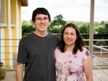 dona de casa estudou com apostilas do filho