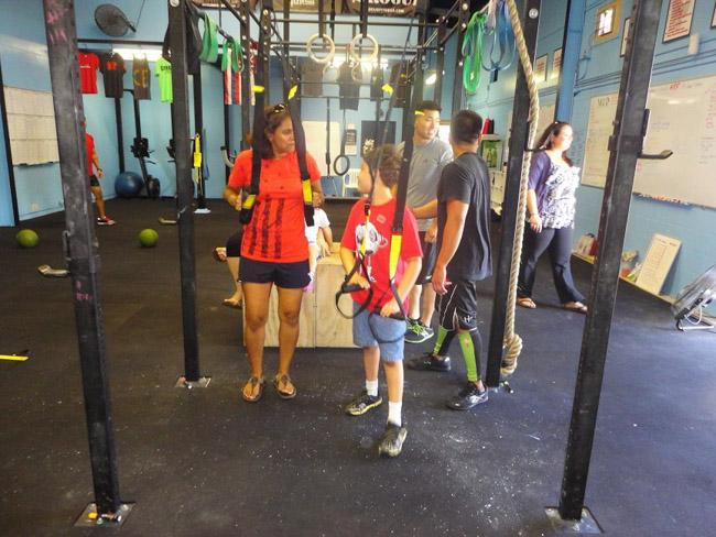 Academia no Havaí tem aulas para crianças com autismo
