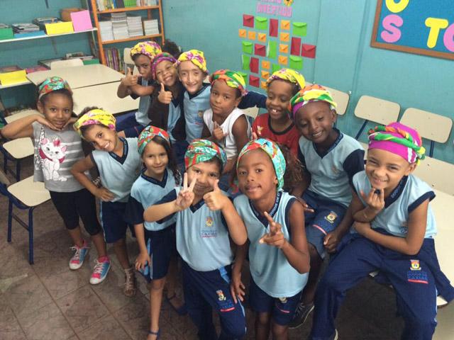 Professora insere danças africanas em escola do Rio