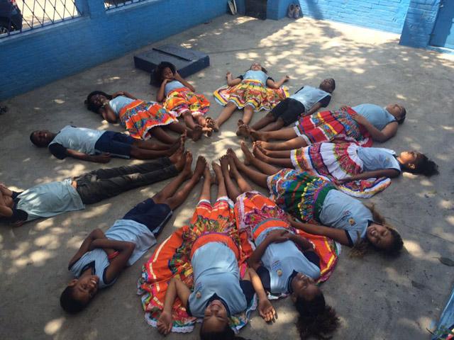 Professora insere danças africanas em escola do Rio 4