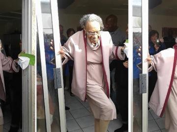 senhora de 100 anos dançando