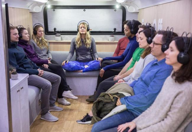 Ônibus leva meditação itinerante para as ruas de Londres