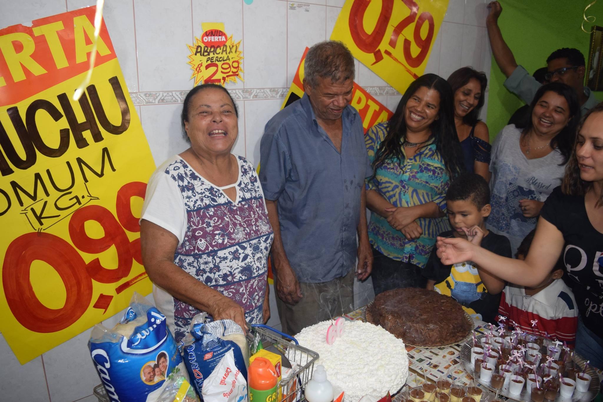 festa aniversário supermercado