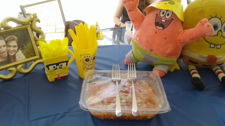 Noivos quebram protocolo e oferecem almoço temático do Bob Esponja para os convidados 3