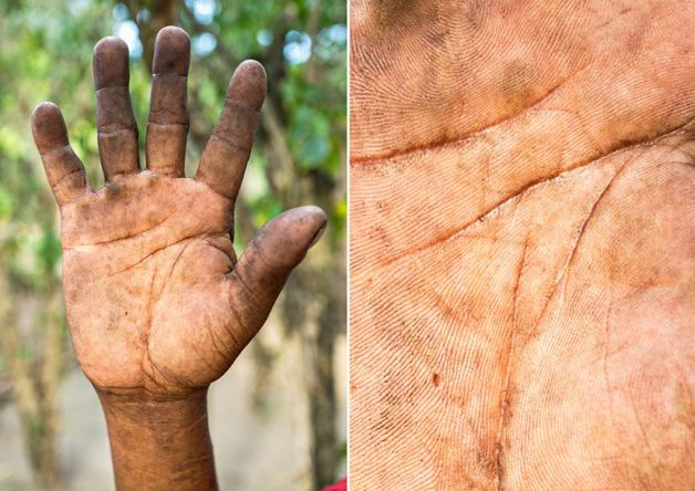 Fotógrafo conta a história de vida das pessoas através da palma de suas mãos 8