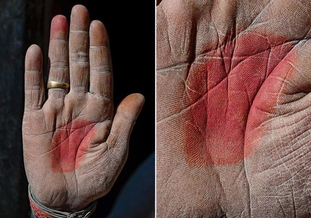 Fotógrafo conta a história de vida das pessoas através da palma de suas mãos 11