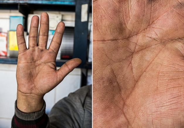 Fotógrafo conta a história de vida das pessoas através da palma de suas mãos 13