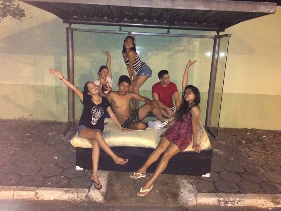 Mudança de casa vira diversão no Pará e o resultado são fotos hilárias 3