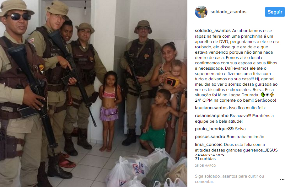 Após abordagem, policiais fazem vaquinha e doam alimentos para família na Bahia 2