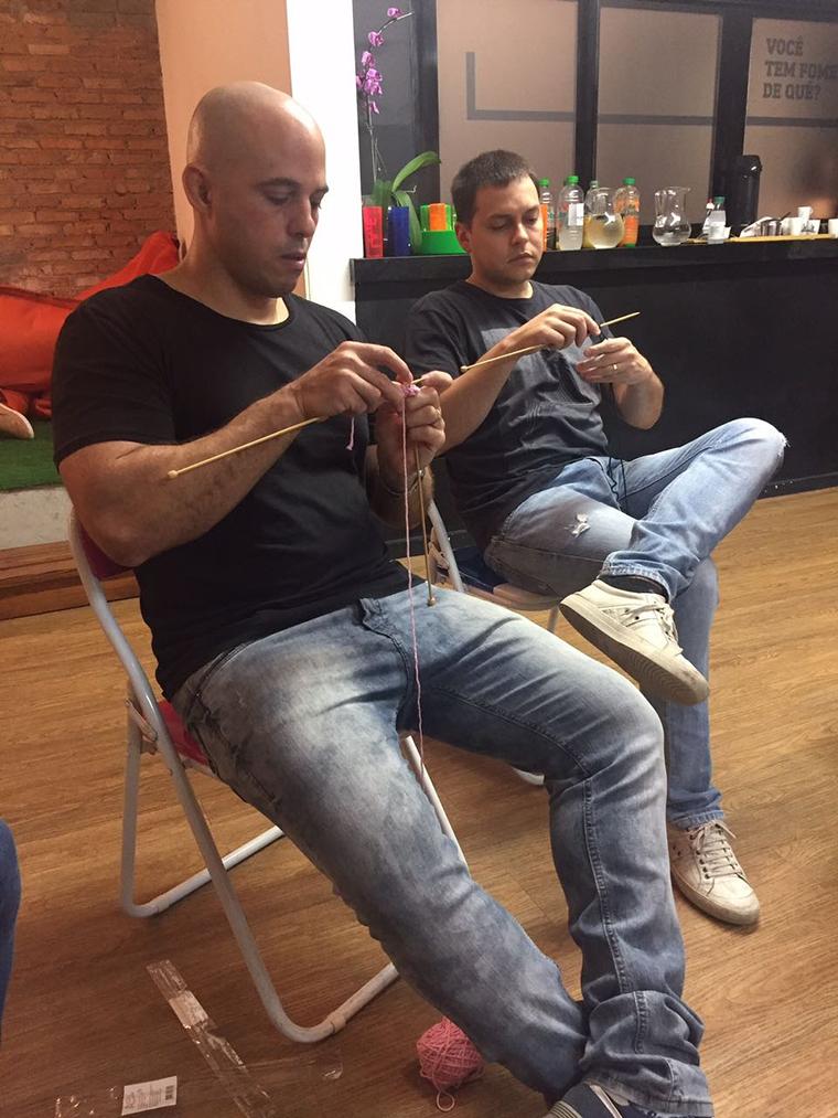Já imaginou tricotar o sapatinho do seu bebê? Foi o que esses pais fizeram e surpreenderam as mamães 3