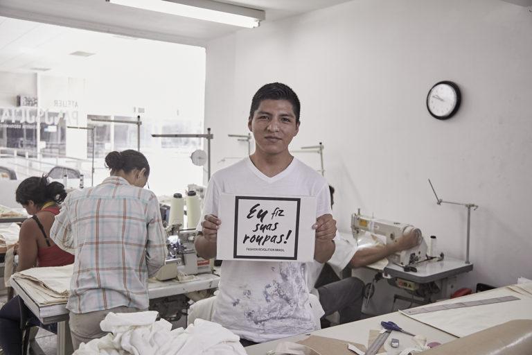 Marca de moda brasileira abriga ex-detentos como funcionários e usa 100% de algodão orgânico 11